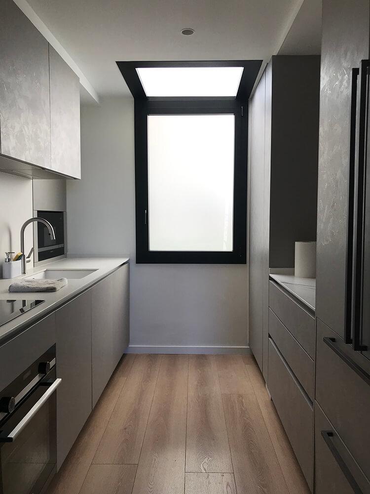 Ventana de aluminio Fin-Project en Ciutat Meridiana de Barcelona