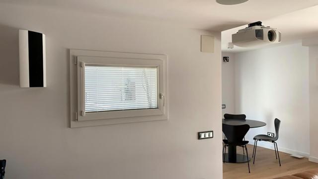 Ventana Twin de aluminio con veneciana interior para el ruido